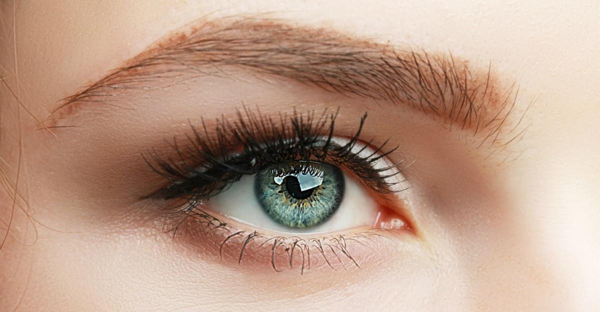 Barbatii cu ochii verzi